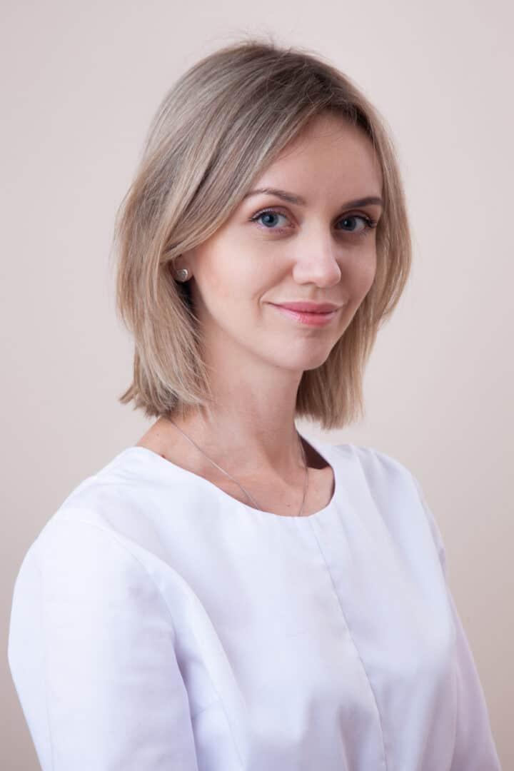 Врач-стоматолог Потиевская Юлия в Киеве - ADONIS