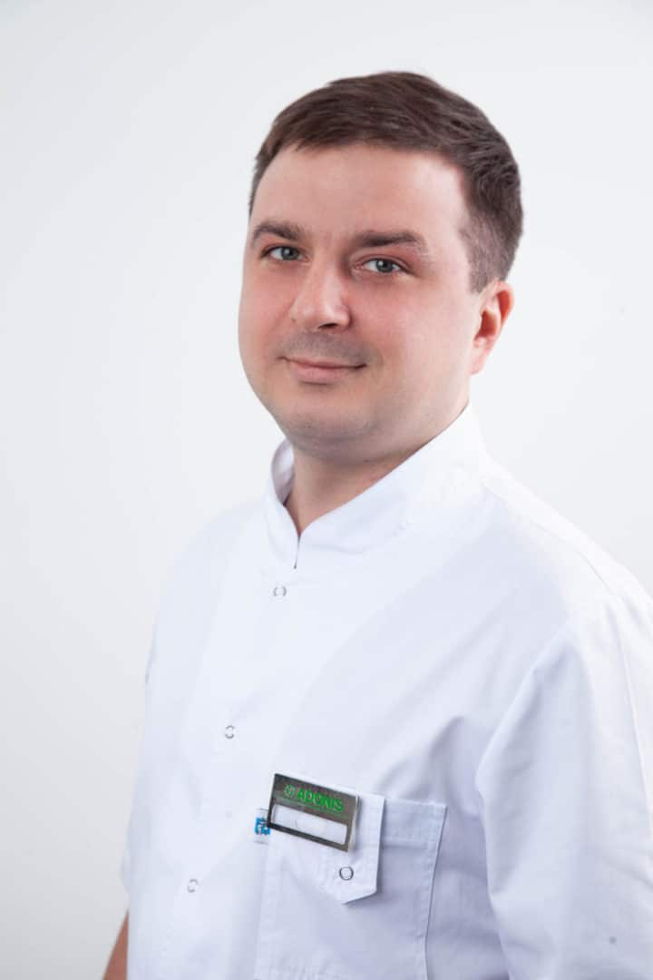 Стоматолог Шешуков Дмитрий в Киеве - ADONIS