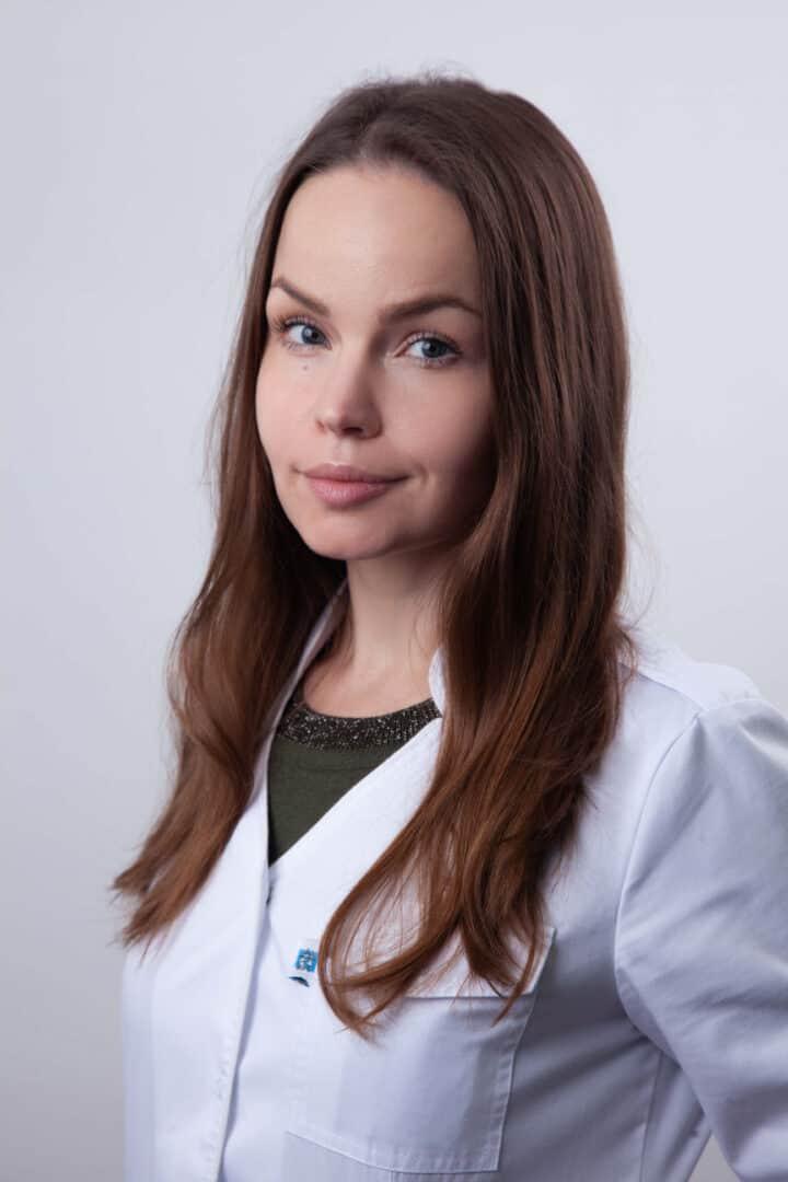 Врач-стоматолог Белова Алена Сергеевна в Киеве - ADONIS