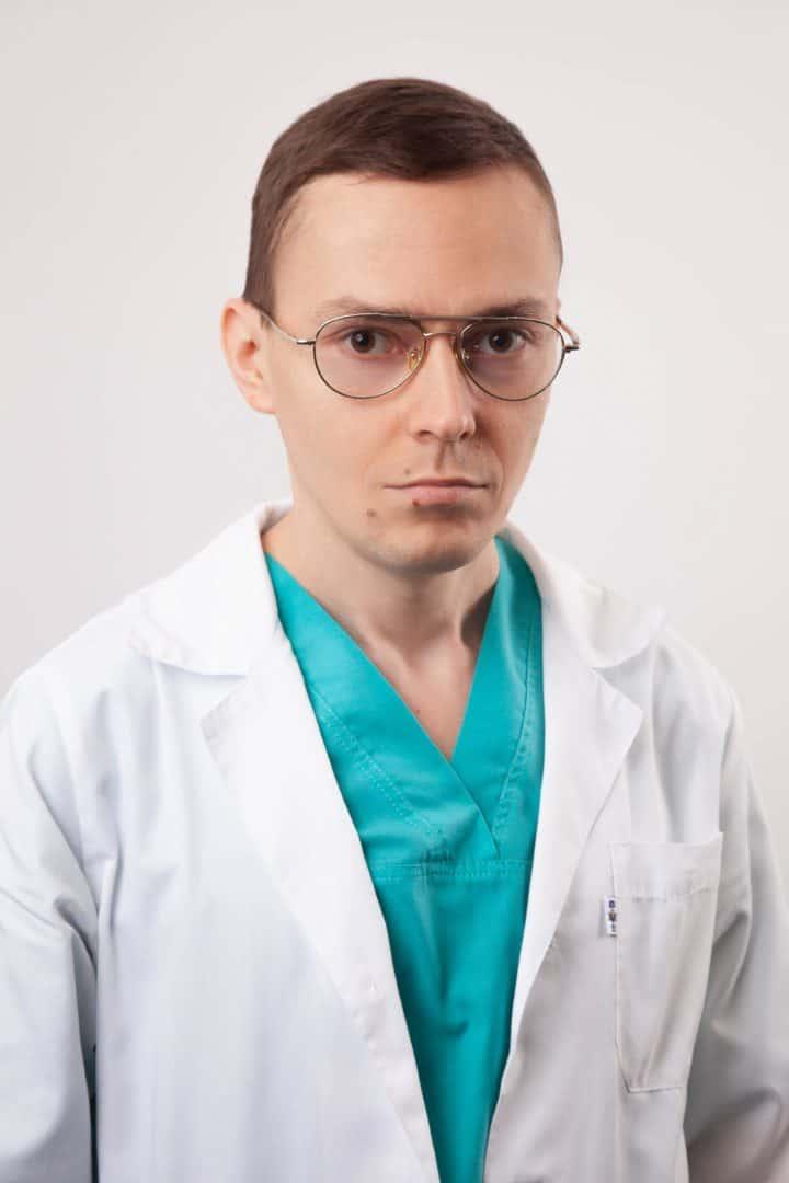 Кушнир Антон врач-отоларинголог