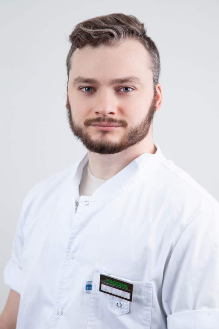 Врач-стоматолог Голубенко Никита в Киеве - ADONIS