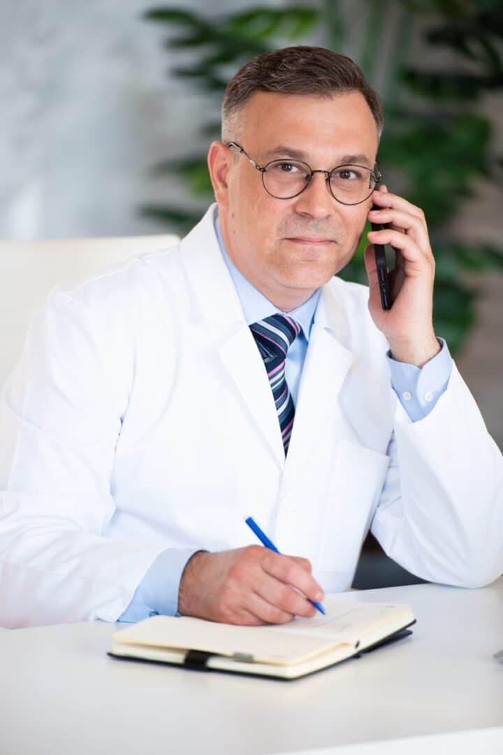 Андрей Валерьевич Пасечник - пластический хирург в Киеве