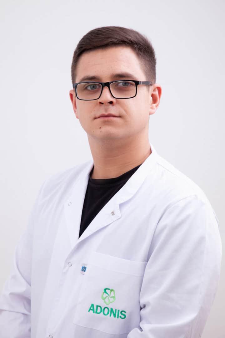 Массажист Пикшрис Артем Станиславович в Киеве - ADONIS