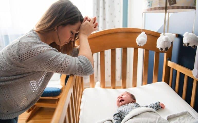 Причины колик у новорожденных