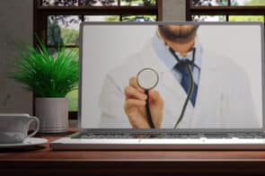 Онлайн консультация врача в ADONIS