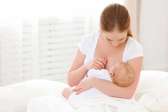 Грудное вскармливание: как наладить кормление грудью