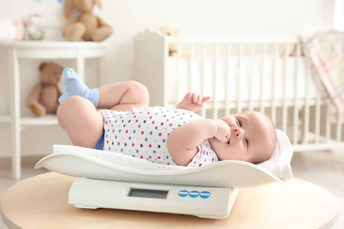 Как развивается ребенок по месяцам?